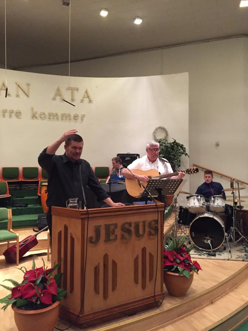 Haakon Martinsen og Terje Raanås synger