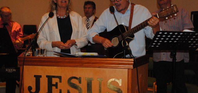 Haakon L. Martinsen: fast evangelist Det var mange besøkende i Maran Ata-templet søndag den 11.juni, da Haakon L.Martinsen ble innsatt i tjeneste som fast evangelist i menigheten. Terje Raanås...